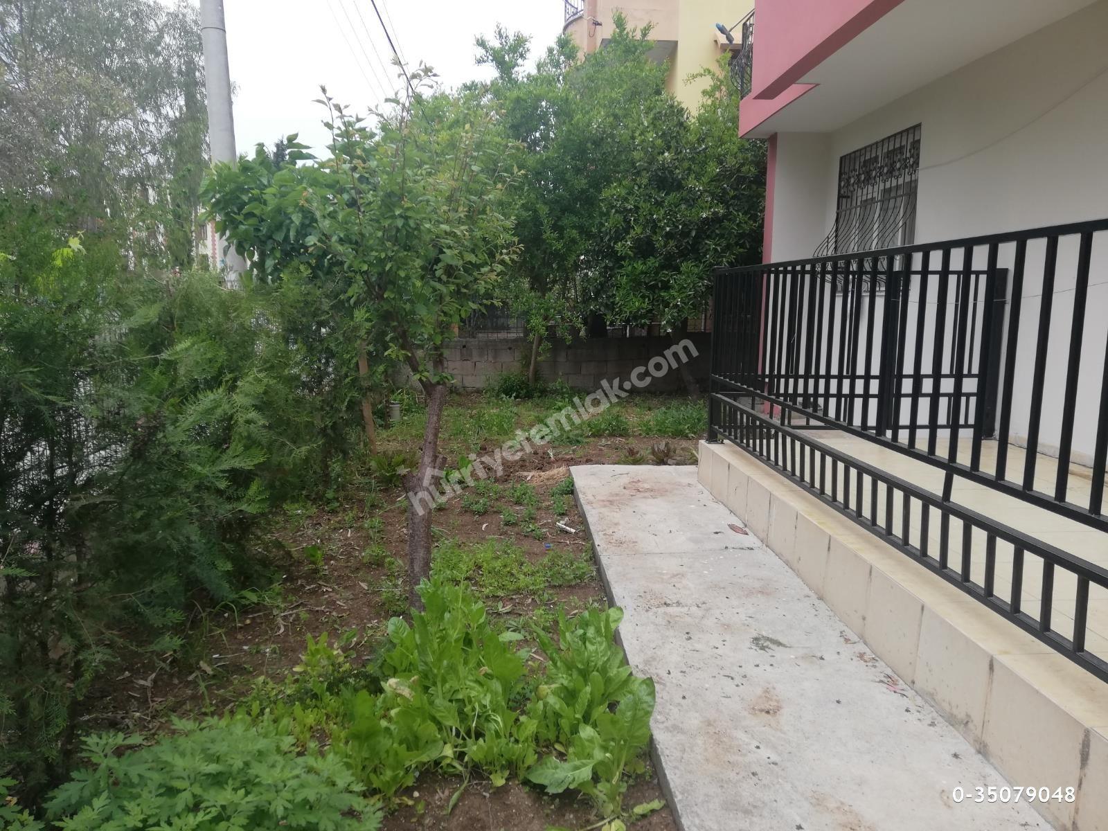 2 Katlı Bahçeli Müstakil Ev