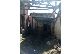 Edremit dereli Mahallesinde Satılık iki katlı Kerpiç ev