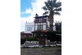 Gömeç Karaağaçta Satılık Villa