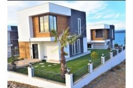 Satılık Denize Sıfır Villalar